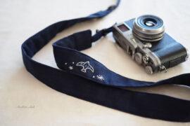とろみガーゼのカメラストラップ「ユートピア」